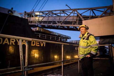 NYTT HÅP: Et nytt prosjekt har gitt et nytt håp for Sydvaranger gruve. Prosjektleder Thomas Bækø er en av de 15 ansatte ved gruva som nå jobber for ny drift på den over 100 år gamle bedriften.