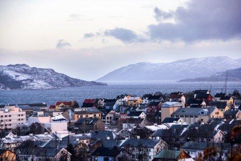 KAN FÅ SNØ: Kirkenes er en av stedene det er meldt snø førstkommende helg.
