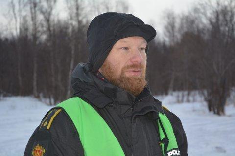 VET IKKE TILSTANDEN: Innsatsleder Håvard Martinsen sier at de foreløpig ikke vet noe om tilstanden til den savnede mannen.