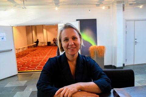 FOKUS: Veronje Kelly i Visit Varanger har endret fokus til at folk vil se på fugler og samtdig ha lyst å legge igjen penger i Varanger.