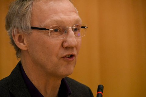 GIR EN OPPFORDRING: Geir Ove Bakken (Ap) gir Jo Inge Hesjevik (H) en oppfordring om å jobbe opp mot sin egen regjering for å skaffe mer penger til gode farledsprosjekter.