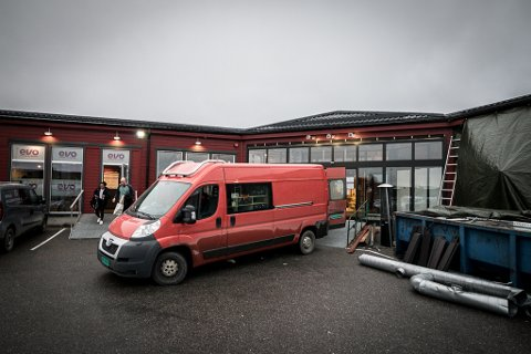 SNART KLAR: Hele senteret på Hesseng skal være klart til åpning 23. november. Sportsbutikken som tidligere lå like ved vil da ha flyttet inn.