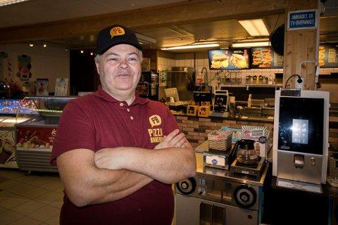 UTVIDER STADIG: Bedriften til Bjørn Lund var i gamle dager en ren kiosk. Nå er det pizzabakeri, kafe og pub med egen sjømatvogn.