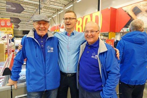 ÅPNET: Daglig leder for Coop Hammerfest, Runar Eriksen. (I midten) sammen med Jakob Holmgren (t.v.) og Knut Hjalmar Andersen.