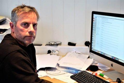KRITISK: Daglig leder i Sandmo AS, Ståle J. Karlsen hevder at avtalen mellom Elkem Tana og FeFo er ulovlig.