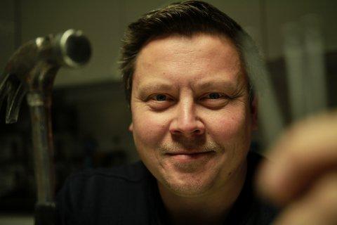 TRAFF SPIKER'N PÅ HODET: Nils Erik Henriksen og snekkerbedriften Nemo Tec har virkelig truffet blink med satsingen. Siden oppstart i mars 2015 har Henriksen nesten femdoblet omsetningen og tidoblet overskuddet.