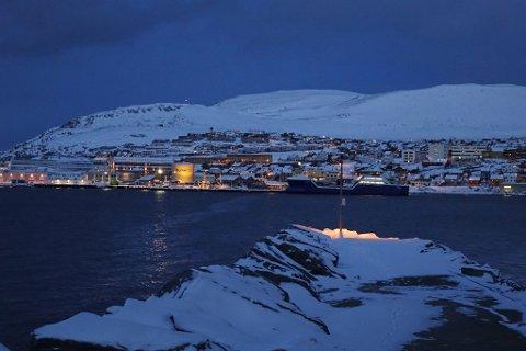 LAVER NED: Kong vinter er tilbake i Hammerfest.