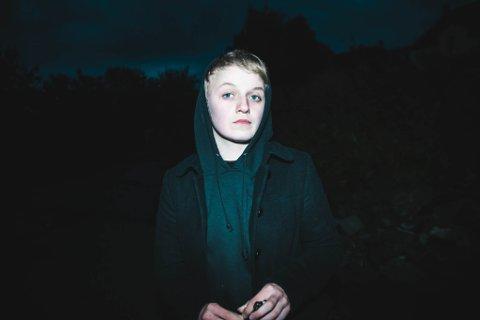 KRITIKERROST: Ingeborg Oktober ga nettopp ut sitt andre album «Skjømmingsboka» til strålende kritikk.