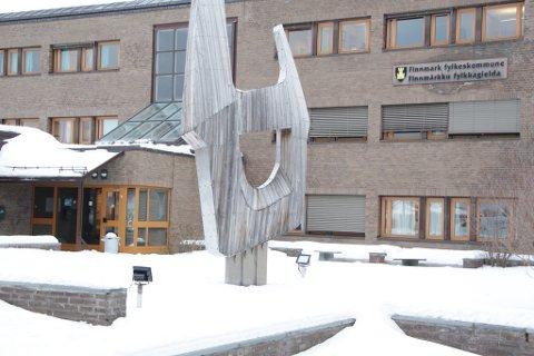 HVER FOR SEG: Finnmark og Troms bør fortsette hver for seg, mener forfatterne.