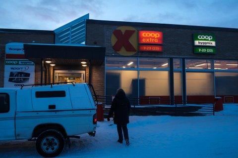 TILSYN: Brannvesenet har avdekket avvik i dokumentasjonen og har to anmerkninger til brannsikkerheten ved Coop i Vadsø.