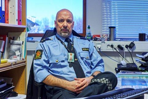 INGEN Å MISTE: Trafikkoordinator Torbjørn Holm ber foreldrene sjekke at kjøretøyet til barna er i orden og påse at de har gyldig førerkort.