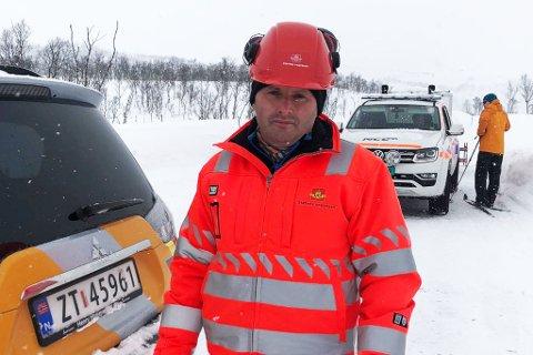VEIEN RYDDES: Sennalandet er fortsatt stengt for trafikk, men oppryddingen har startet, forteller Kurt Mørk Eriksen.