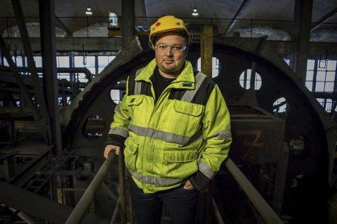 TØFF VENTETID: Prosjektleder Thomas Bækø legger ikke skjul på at den lange ventetiden har vært tøff, og har tæret på både bedriftens ansatte og økonomi.