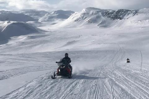 FORLENGET ÅPNNGSTIDEN: Det er fortsatt vinter på fjellet, og det er mange som sikkert gleder seg over at løypene vil være åpne til 17. mai flere steder i Finnmark.