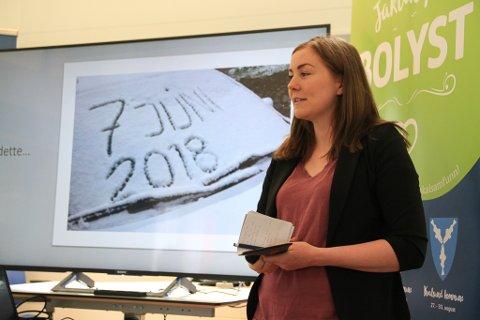 HJEM TIL DETTE: Mia Larsen flyttet fra hvitvin på Aker Brygge til snø på bilen i juni. Men likevel angrer hun ikke på valget som har gjort henne til bedriftsleder hjemme i Tana.