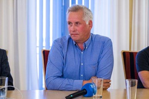 GLEDELIG: Rådmann Jens Betsi i Vadsø er fornøyd med at kommunen går over 20 millioner i pluss i 2020.