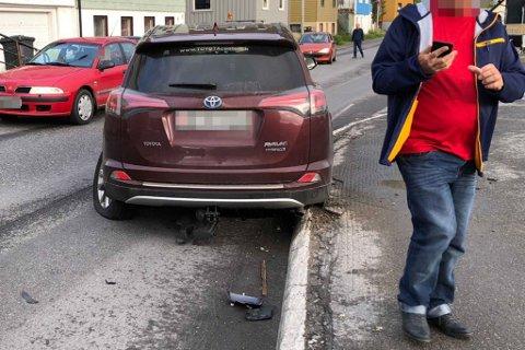 TOTALSKADET: To biler fikk hard medfart etter trafikkuhell.