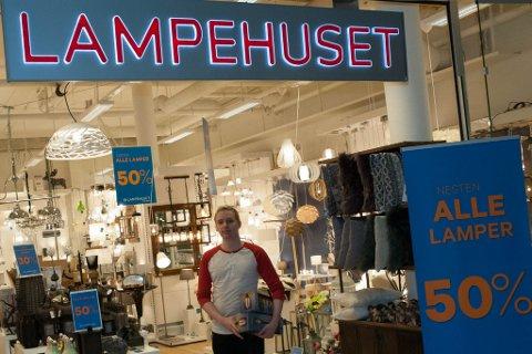 LEGGER NED: Daglig leder på Lampehuset i Alta, Steve Dahlen, er her avbildet ved en tidligere anledning.
