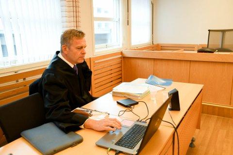 AKTOR: Aktor Torstein Lindquister spilte i retten tirsdag av en video av et avhør av jenta.