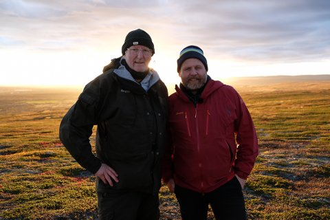 MAGISK: Eyvind Hellstrøm og Truls Svendsen har tilbragt deler av den siste uka i Finnmark. – Tenk at vi har reist nesten verden rundt og sett så mye, men så trengte vi egentlig ikke å reise lenger enn til Finnmark for å få en helt fantastisk opplevelse, sier Truls Svendsen.