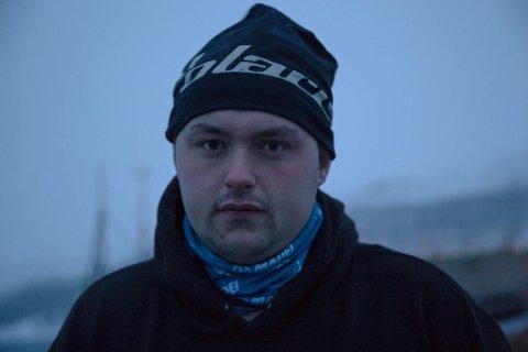 SINT: Fisker Chris Thorsen er både sint og lei seg for måten han er behandlet på av havnevesenet i Kirkenes.