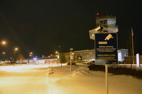 ÅPNET: Lufttrafikken gikk som normalt ved Alta lufthavn i seks-tiden torsdag morgen. Et ekstra fly er satt opp for å få unna passasjerer. Arkivbilde.