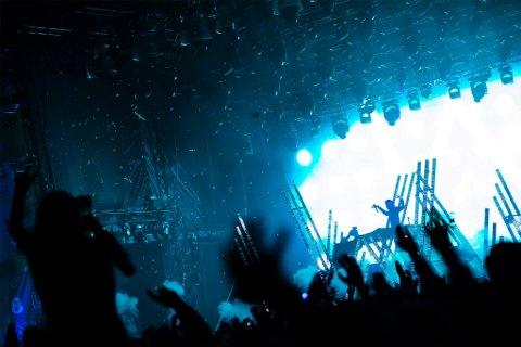 """VERDENSKJENT: Alan Walker, opprinnelig fra Northampton i England, startet musikkarieren på gutterommet i Bergen. Han ble verdenskjent i 2015, da han ga ut singelen """"Faded""""."""