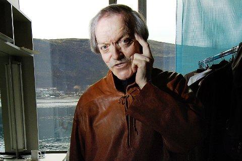 FORBILDE: Skuespiller Nils R. Utsi beskrives av flere som et stort forbilde innenfor samisk skuespill. Han gikk bort nyttårsaften, 75 år gammel.