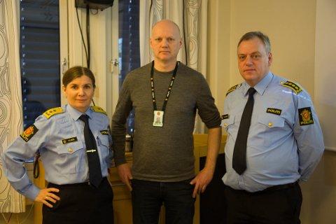 MØRKETID: Overgrepsaksjonen OP Mørketid tok mye av ressursene i 2018, sa politimester Ellen Katrine Hætta, politioverbetjent Steve Nielsen og politiinspektør Morten Daae.