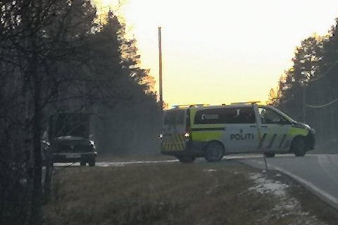 UTRYKNING: Politiet og de andre nødetatene rykket ut til Kvenvikmoen.