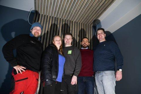 KLARE: Denne gjengen er klare til å åpne Canyon hotell i lokalene til tidligere Park hotell: Vegard Berge Uglebakken (fra venstre), Tone Reinholdtsen Ek, Morten Ek, Mouawia Lababidi og Mike Zajda.