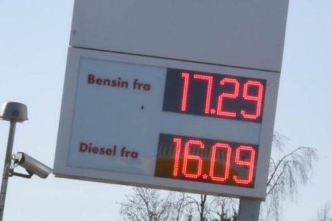 STIV PRIS?: Drivstoffprisen kan bli enda dyrere enn dette.