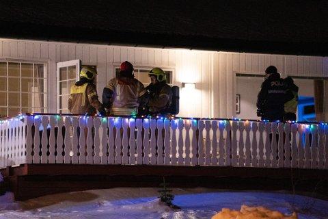 KONTROLL: Brannvesenet fikk kontroll på røykkilden i en enebolig i Rypefjord.