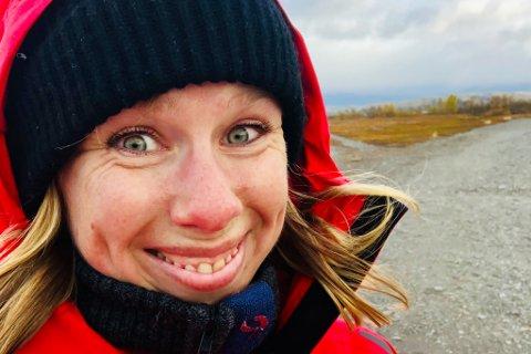 TAKKNEMLIG: Ansvarlig redaktør i Finnmarken, Anniken Renslo Sandvik, er glad for at så mange tør å dele de vanskeligste historiene sine. Sånn kan vi alle bli sterkere, tror hun.