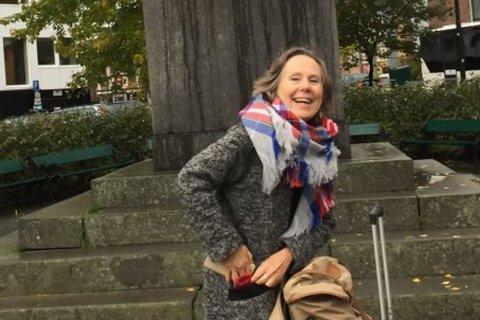 ENGASJERT JORDMOR: Annie Henriksen har jobbet som jordmor siden 1982. Hun har tidligere vært leder av Jordmorforeningen i Finnmark i 20 år, og er nå leder av Naturvernforbundet i Vest-Finnmark