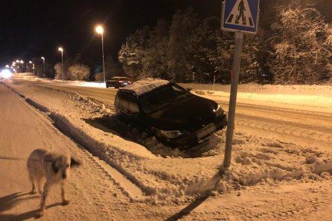 UTFORKJØRING: En bil havnet ut av veien på Gakori onsdag.