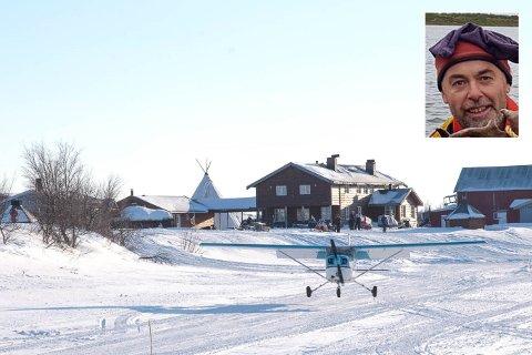 OVERTAR: Simen Johnsen tar over drifta av Nedre Mollisjok fjellstue etter faren Per Edvard.
