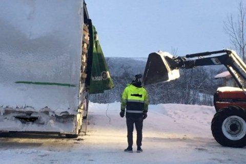 FIKK IKKE KJØRE VIDERE: Fem kjøretøy ble ilagt bruksforbud mandag.