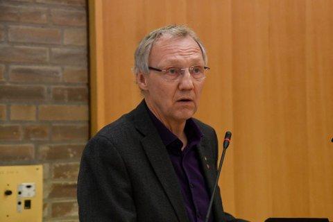 MÅ FØLGE MED: Geir Ove Bakken slo fast at det er viktig å følge med for at det nye fylket skal få noen av de nye divisjonene som blir opprettet når fylkene skal slås sammen og overta oppgaver fra Statens vegvesen.