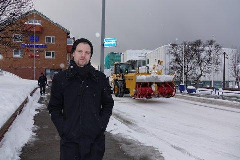 - FIKK IKKE VÆRE MED: Alexander forteller at han ikke fikk være med bussen i forrige uke, selv om han møtte på klokkeslaget for når bussen skulle gå.