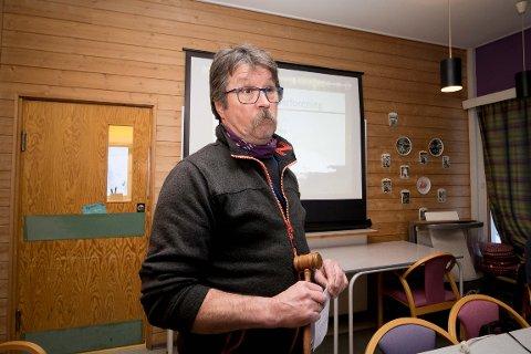 HÅPER FLERE TAR TUREN NORDOVER: Karl-Magne Arvola er daglig leder i Neidenelvens Fiskefellesskap. Han tror det blir god plass i elven de forvalter denne sesongen.