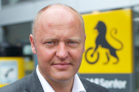 TRAFIKKSIKKERHET: Mens vi venter på strengere dekk-krav bør norske transportkjøpere gå foran og vise vei, skriver Stig Skjøstad.