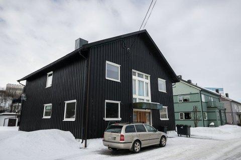 6,5 MILL: Dette huset i Storgata 14 i Kirkenes ble solgt for kroner 6.500.000.