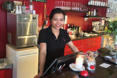 UTVIDER: Pia Khosee syntes det var på tide med bedre plass i restauranten Lille Chili i Vestre Jakobselv. Nå har restauranten gått fra 50 til 100 plasser, og hun har fått plass til overnattingsgjester.