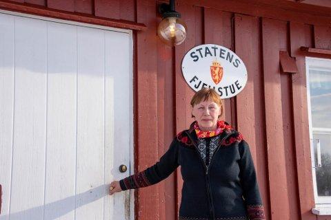MANGLER DEKNING: Oppsitter på Margit Eriksen Opgård. Mollišjok fjellstue. Bildet ble tatt i fjor sommer.