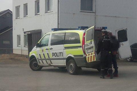 PÅGREPET: Her har politiet pågrepet to personer.
