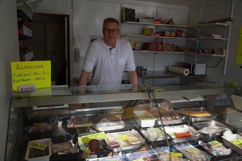POPULÆR: Ståle Andreas Olsen driver en meget populær fisk- og kjøttbutikk.