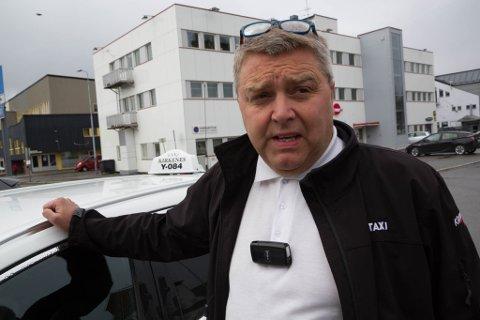 UTÅLMODIG: Styreleder Bjørn-Eirik Mikkola i Norges Taxiforbund avdeling Finnmark begynner å bli utålmodig. Foreløpig har verken han eller noen av hans kolleger i Finnmark fått pengene de er lovet for tapt skolekjøring.