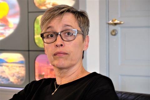 SELGER: Gunn Marit Nilsen (54) velger å selge turistanlegget Havna i Syltefjord etter å drevet det siden 1987.