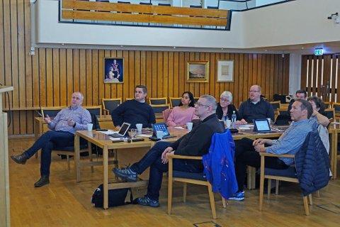MU-STYRET: Styret for Miljø og Utvikling møttes tirsdag. På bildet ser du blant andre leder Kurt Methi, Andreas Gamst, Wendy Hansen, Kristin Berg, Mauritz Nyberg, Stig Ole Pedersen og Karl- Tore Andersen.